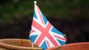 Impessionen aus England: Union Jack auf einem Canal Boat