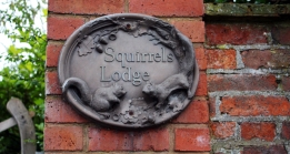 Impressionen aus England: Squirrels lodge