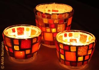 Kuschelig warme Stimmung mit orangen, roten und gelben Steinen
